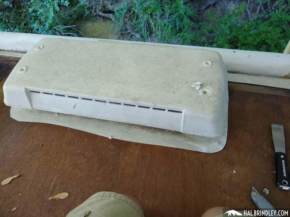 RV refrigerator roof vent