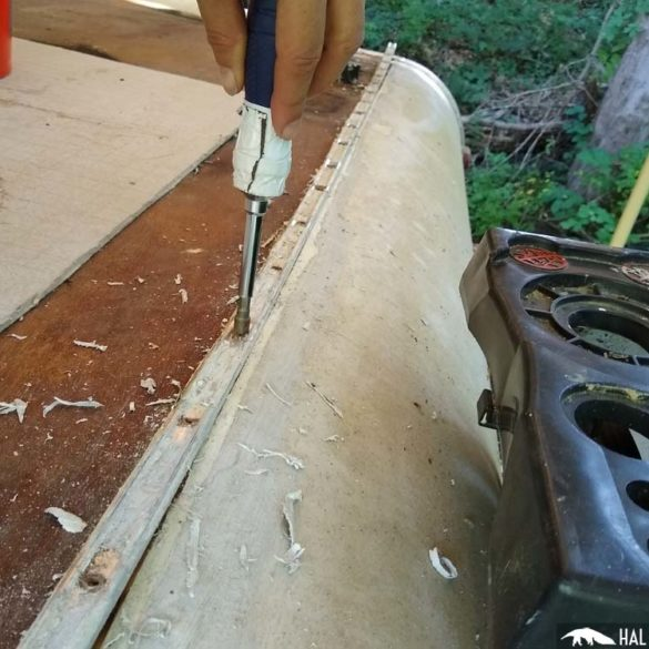 RV roof trim molding