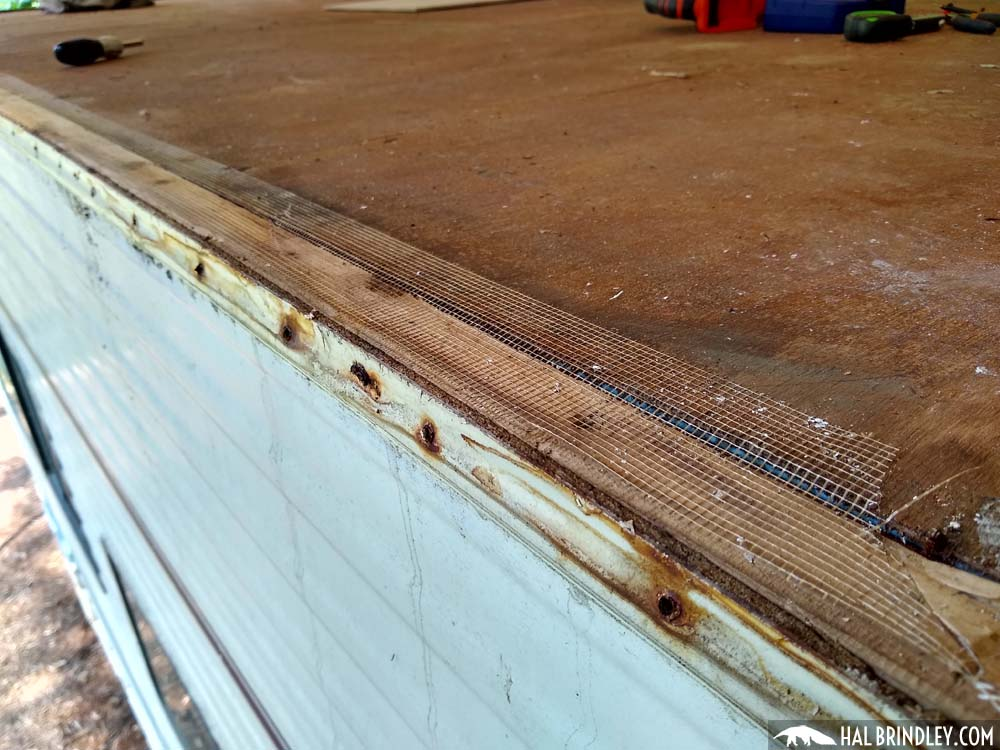 RV Roof Repair Day 3: Removing Roof Trim Molding